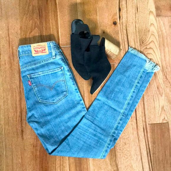 Levi 721 High Rise Skinny Jean